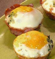Green Eggs and Ham Recipe : Rachael Ray : Recipes : Food Network How can I omit the heavy cream to make it approved? Ham And Eggs, Green Eggs And Ham, 2 Eggs, Big Green Egg Brisket, Leftover Ham, Ham Recipes, Family Recipes, Recipies, Pasta