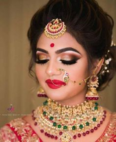 Makeup Photography Beauty Eyebrows 69 Ideas is part of eye-makeup - eye-makeup Bengali Bridal Makeup, Bridal Hairstyle Indian Wedding, Indian Wedding Makeup, Bridal Hair Buns, Indian Wedding Hairstyles, Hair Wedding, Indian Bride Hair, Bridal Hairdo, Bridal Photoshoot