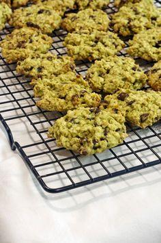 A legfinomabb csokis-narancsos zebkeksz / Best chocolate-orange oatmeal cookies Food And Drink, Cookies, Desserts, Bridge, Crack Crackers, Tailgate Desserts, Deserts, Biscuits, Postres