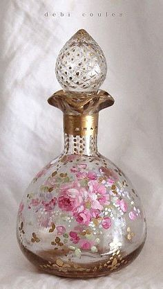 This antique, vintage perfume bottle is a delicate masterpiece don't you think? Antique Perfume Bottles, Vintage Bottles, Bottles And Jars, Glass Bottles, Mason Jars, Perfumes Vintage, Beautiful Perfume, Altered Bottles, Bottle Art