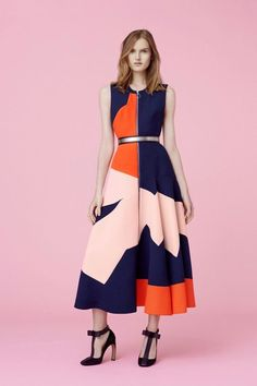 How to Style Block Print Midi Dresses – Designers Outfits Collection Mode Chic, Mode Style, Cute Dresses, Beautiful Dresses, Midi Dresses, Fashion Week, Womens Fashion, Fashion Trends, Fashion Fashion