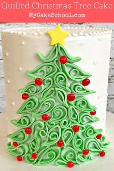 christmas cake This Beautiful Quilled Christmas Tree Cake would be perfect for Christmas parties! Christmas Tree Cake, Christmas Deserts, Christmas Cake Decorations, Christmas Cupcakes, Holiday Cakes, Christmas Balls, Christmas Baking, Christmas Fun, Christmas Parties