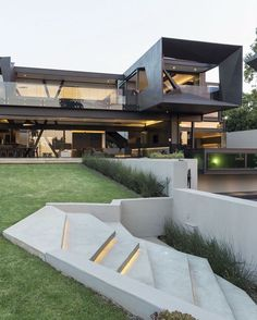Kloof Road House By Nico Van Der Meulen Architects. Xavier De Buck · Modern Home  Designs
