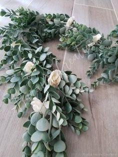 Rehearsal Dinner Decorations, Wedding Table Decorations, Table Wedding, Wedding Cake, Wedding Flower Arrangements, Floral Centerpieces, Wedding Flowers, Wedding Centerpieces, Garland Wedding