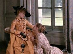 Glenn Close and Uma Thurman in Dangerous Liaisons