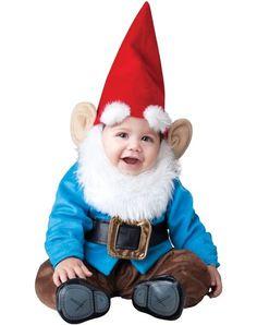 Niedliche Fasching Kostüm Ideen für Babys-kleiner Zwerg mit einem spitzen roten Hut