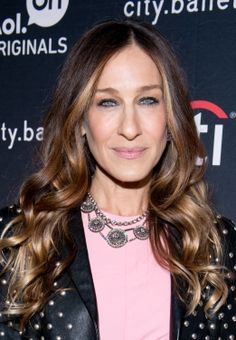 How to apply blush if you have a long-shaped face // Sarah Jessica Parker