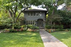 3649 Maplewood Avenue, Highland Park, TX 75205. Sold in 2013 by Doris Jacobs I Doris Jacobs Real Estate.