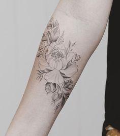 Floral tattoo (and light color) half sleeve tattoo тату, тат Couple Tattoos Love, Love Tattoos, Beautiful Tattoos, Body Art Tattoos, New Tattoos, Tattoos For Guys, Small Rib Tattoos, Floral Mandala Tattoo, Peonies Tattoo