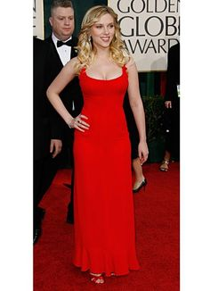 Scarlett Johansson, in Valentino, at the Golden Globe Awards. (2006)