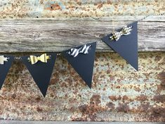 This mini blank chalkboard garland is multi functional. This garland is embellished with bows to add a little pizzaz! Create your own message or drawings. Great for home decor or parties! DIMENSIONS: 6 flag pennants are 3.5 x 4.5 Paper bows 2 Banner is approx 1.5 MATERIALS Used: Art Studio Decor, Craft Room Decor, Paper Bows, Chalkboard Banner, Party Banners, Garland, Diy And Crafts, Create Your Own, Flag