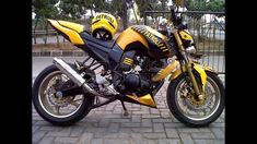Yamaha Motorbikes, Yamaha Motorcycles, Yamaha Fz 16, Fz Bike, Empire Movie, Cafe Racer Bikes, Hipster Outfits, Royal Enfield, Custom Bikes