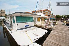 Virgo Houseboat in Baltimore