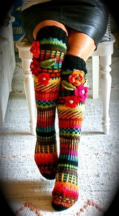 45 Celebrity hot looks by over-the knee Socks - Fair Isle Knitting, Knitting Socks, Hand Knitting, Knitting Patterns, Crochet Socks Pattern, Crochet Slippers, Knit Crochet, Crochet Hats, Socks