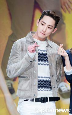 l Lee Soo Hyuk ~ actor ~ model >< l Asian Celebrities, Asian Actors, Korean Actors, Joon Hyuk, Lee Hyuk, Lee Soo, Hyun Bin, Korean Model, Actor Model
