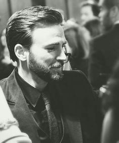 I post Captain America & all things Chris Evans.