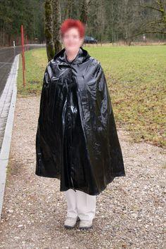 XXL Regencape Cape mit Kapuze 1,27 lang Gummi Regenmantel, Rubber Cape Gumpla in Kleidung & Accessoires, Damenmode, Jacken & Mäntel | eBay
