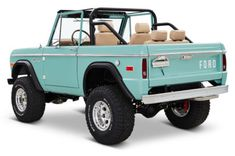 Named for the famed private golf club in southern Florida, this 1970 Ford Bronco from OH-based Classic Ford Broncos is a perfect seaside ride. It's powered by an all-aluminum, Ford Racing Coyote engine, mated to a four-speed automatic with. Old Vintage Cars, Vintage Trucks, Old Trucks, Vintage Jeep, Cj Jeep, Jeep Cars, My Dream Car, Dream Cars, Motor Ford