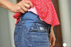 Je déteste quand une paire de jeans que j'affectionne commence à me serrer à la taille ! Même si ils vont bien partout ailleurs, des jeans trop serrés à la taille sont très désagréables à porter et restent dans l'armoire. Mais on peut y remédier ! Ainsi, Liz du blog Cotton & Curls explique comment on peut rajouter un peu de tissu à la taille, sur les côtés, pour ajouter un peu d'aisance.