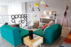 Showroom OPPA Goiânia  Fev 2016 VM Nicole Santini  Sala de estar / decoração / Sofá verde / Biombo / sofá em l / decor