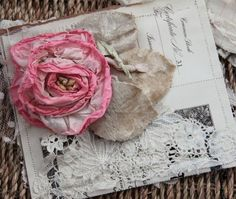 Pretty Petals:  Vintage, lace, roses, upcycled and plenty of frufrulicious ideas! <3