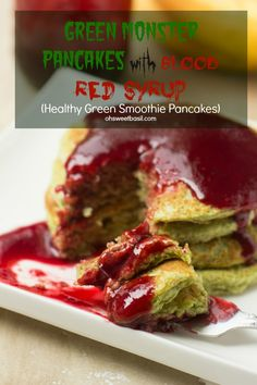 Halloween is approaching and I've been serving up these delicious (and secretly healthy) green monster pancakes that the kids love! ohsweetbasil.com