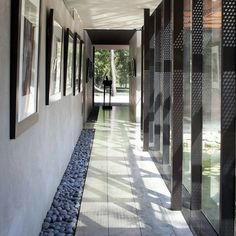 Heavy Metal House: steel clad property in Missouri, United States of America - design by Hufft Projects - Joplin building, Missouri architecture, images Architecture Design, Futuristic Architecture, Metal Homes, Storey Homes, Mid Century House, Midcentury Modern, Heavy Metal, Foyer, Interior And Exterior