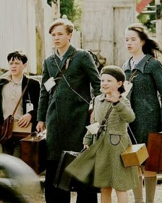 Chapter 1 of The Pevensies Narnia Cast, Susan Pevensie, Star Rain, Courage Dear Heart, Disney Live, Peasant Skirt, Cs Lewis, Chronicles Of Narnia, Beautiful Stories