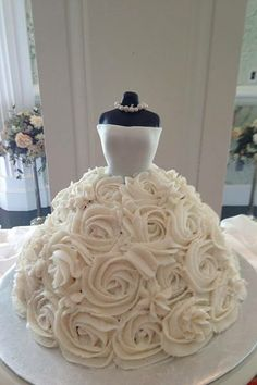 How cute is this wedding dress cake?
