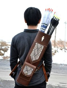 Cheap leather archery quivers, Buy Quality archery quiver directly from China archery leather quiver Suppliers: High quality Hand Crafted Single/three point shoulder back type snakeskin Leather Archery Quiver Brown holding for Hunting Archery Quiver, Archery Gear, Archery Hunting, Bow Hunting, Quail Hunting, Cowhide Leather, Leather Quiver, Leather Craft, Snake Skin