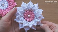 Flowers crochet ain't never going to get old! Just a few simple crochet stitches are all that stand between you and a this stunning layered flower crochet.