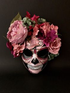 Mexican Mask, Mexican Skulls, Mexican Party, Mask Painting, Skull Painting, Skull Artwork, Halloween Eye Makeup, Halloween Kostüm, Fabric Flowers