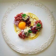 "oodstar Richard Karlsson ( shared a new image on Foodstarz /// A ""My way beef tartar"" Food Design, Gourmet Recipes, Cooking Recipes, Gourmet Desserts, Plated Desserts, Gourmet Food Plating, Michelin Food, Chefs, Steak Tartare"