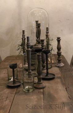 Niet alleen lampen geven mooi licht maar ook het licht van kaarsen is mooi. Zoek je nog een mooie kandelaar wij hebben volop keuze. En nu ook mooie ijzeren varianten.  Wij wensen jullie ee