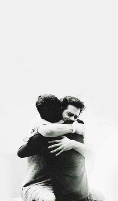 wallpapers Teen Wolf - Scott and Stiles Stiles Teen Wolf, Teen Wolf Scott, Teen Wolf Boys, Teen Wolf Dylan, Teen Wolf Art, Teen Wolf Stydia, Teen Wolf Tumblr, Teen Wolf Quotes, Teen Wolf Cast
