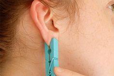 Powód, dla którego ta kobieta nosi spinacz na uchu, jest genialny!