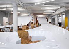 Clive-Wilkinson-Architects-Super-Desk3 - Home Decorating Trends - Homedit