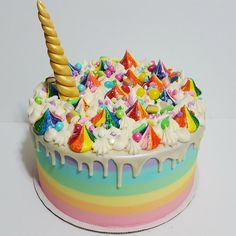 Rainbow unicorn cake : Baking