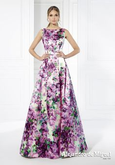 Trajes a medida Dressy Dresses, Modest Dresses, Simple Dresses, Cute Dresses, Strapless Dress Formal, Beautiful Dresses, Pageant Dresses, Homecoming Dresses, Frocks And Gowns