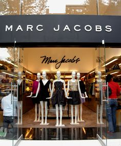 /Marc-Jacobs in Masaryk street in Mexioco