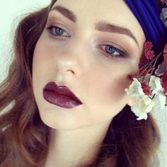 overdrawn lips (or just full lips)