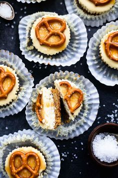 Salted Caramel Pretzel Mini Cheesecakes | These adorable cheesecake bites are almost too adorable to eat!