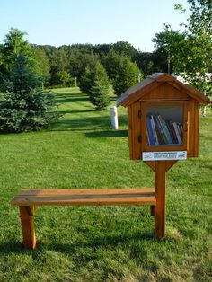 Cute Little Free Library Design Ideas, Recycling for Gifts and Yard Decorations Little Free Library Plans, Little Library, Little Free Libraries, Library Inspiration, Library Ideas, Street Library, Community Library, Lending Library, Mini Library
