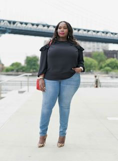 Old Navy Teams Up With Plus Size Bloggers The Curvy Fashionista And Tanesha Awasthi For Their New Denim Campaign | Stylish Curves