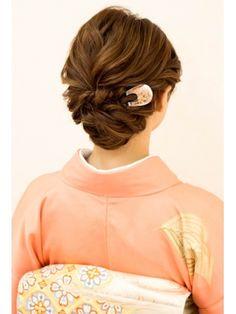 【2019年春】ヘアセットの髪型・ヘアアレンジ|人気順|2ページ目|ホットペッパービューティー ヘアスタイル・ヘアカタログ Curled Hairstyles, Wedding Hairstyles, Hair Up Styles, Hair Style, Kimono Japan, Hair Arrange, Japanese Hairstyle, Short Wedding Hair, Light Eyes
