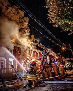 FEATURED POST   @brianbastinelli -  York City PA 100 Block of East Maple. 3rd alarm. 3rd working fire in an hour. #jobtown . CHECK OUT! http://ift.tt/2aftxS9 . Facebook- chiefmiller1 Snapchat- chief_miller Periscope -chief_miller Tumbr- chief-miller Twitter - chief_miller YouTube- chief miller  Use #chiefmiller in your post! .  #firetruck #firedepartment #fireman #firefighters #ems #kcco  #flashover #firefighting #paramedic #firehouse #straz #firedept  #feuerwehr #crossfit  #brandweer…
