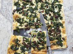 Mallorquinische Pizza mit Gemüse ist ein Rezept mit frischen Zutaten aus der Kategorie Pizza. Probieren Sie dieses und weitere Rezepte von EAT SMARTER!