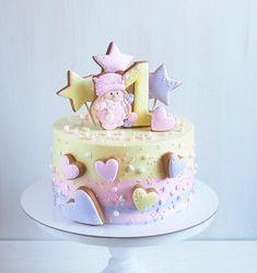 """638 Likes, 23 Comments - Olga Kulikova (@kulik_ova) on Instagram: """"Я к вам с тортиком ☺️ Внутри нежный, ванильный, с ягодами и карамелью  Вчера радовал детишек на…"""""""