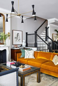 An Eclectic Townhouse with Color Touches - The Nordroom My Living Room, Living Room Decor, Living Spaces, Bedroom Decor, Living Room Inspiration, Interior Inspiration, Loving Room Ideas, Home Interior, Interior Decorating