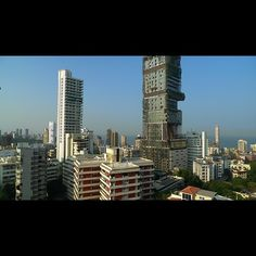 that huge building... its the most expensive home in the world, 1Billion dollars.......sky-scraper-mansion?